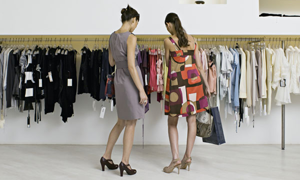 How Attractive Clothes Shoppers Affect Our Buying Habits | TIME.com