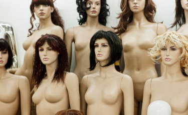 Mannequins with wigs
