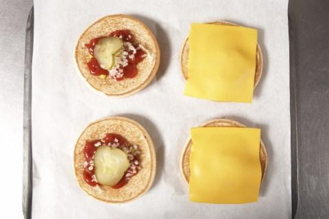 Fast food, cheeseburger
