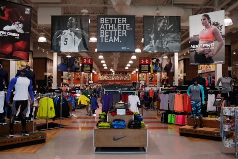 Top 10 Fastest Growing Retailers Amazon Dick's Sporting Goods Inc.