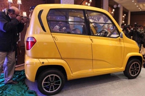 Bajaj Auto Launches Low Cost Four-wheeler vehicle- RE 60