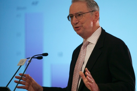 Qualcomm Chairman Irwin Jacobs speaks during a business seminar in New Delhi