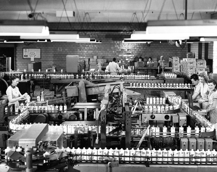 The Procter & Gamble production line where employees bottle Joy dish detergent in Cincinnati, in 1955.