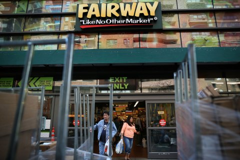 Fairway Group Jumps in Trading After Pricing IPO Above Range