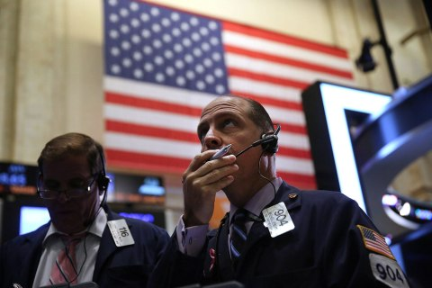 Threat To US Credit Rating Keeps Markets On Edge
