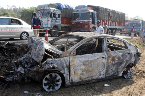 Eight Died In Diesel Tanker And Bus Collision On Mumbai-Ahmedabad Highway